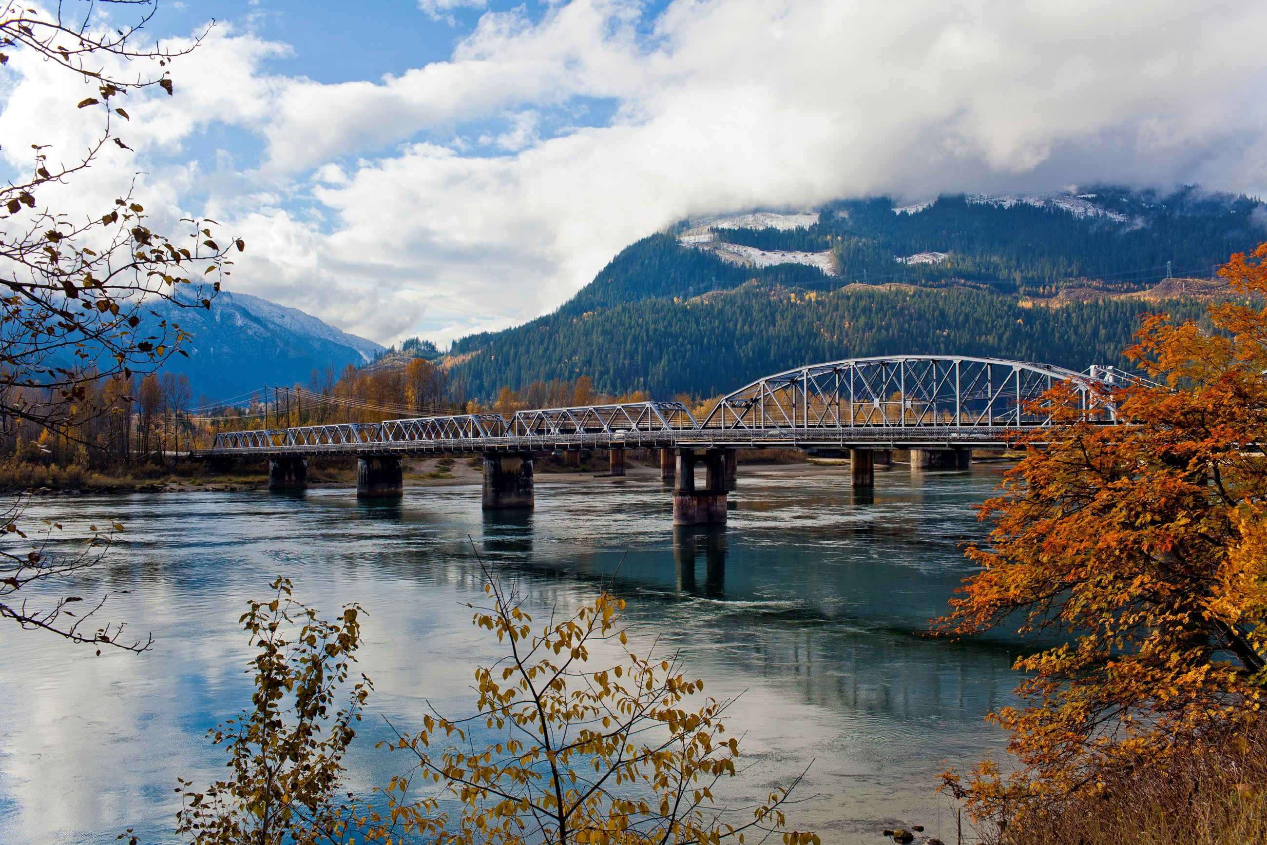 Revelstoke_Bridge_Big_Eddy (1)